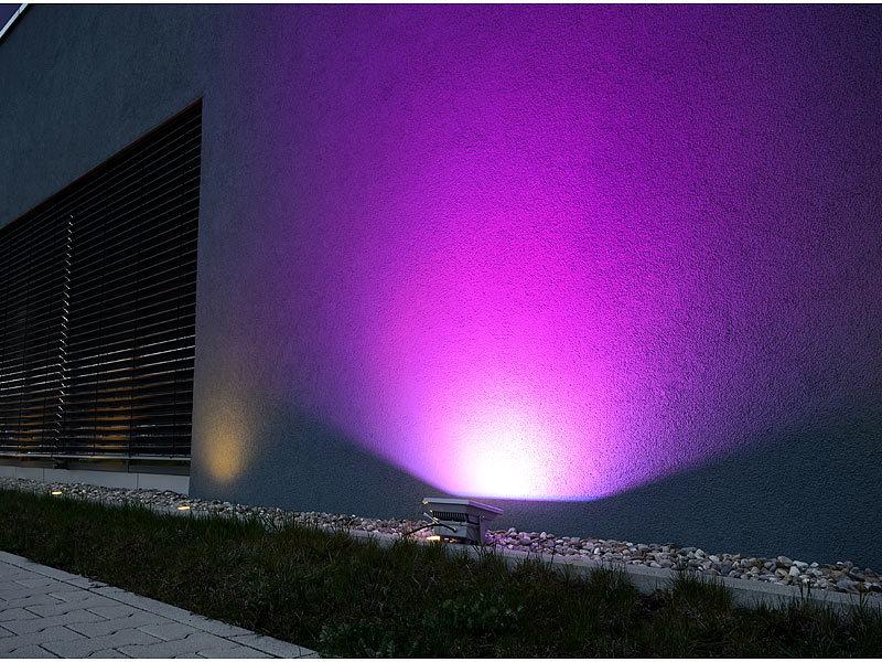 Luminea Wetterfester LED-Fluter RGB im Metallgehäuse,30 W, IP65 mit FB