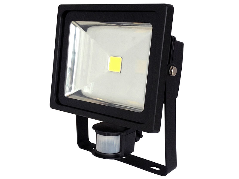luminea cob led fluter 30 w mit pir sensor 6500 k ip44 schwarz. Black Bedroom Furniture Sets. Home Design Ideas